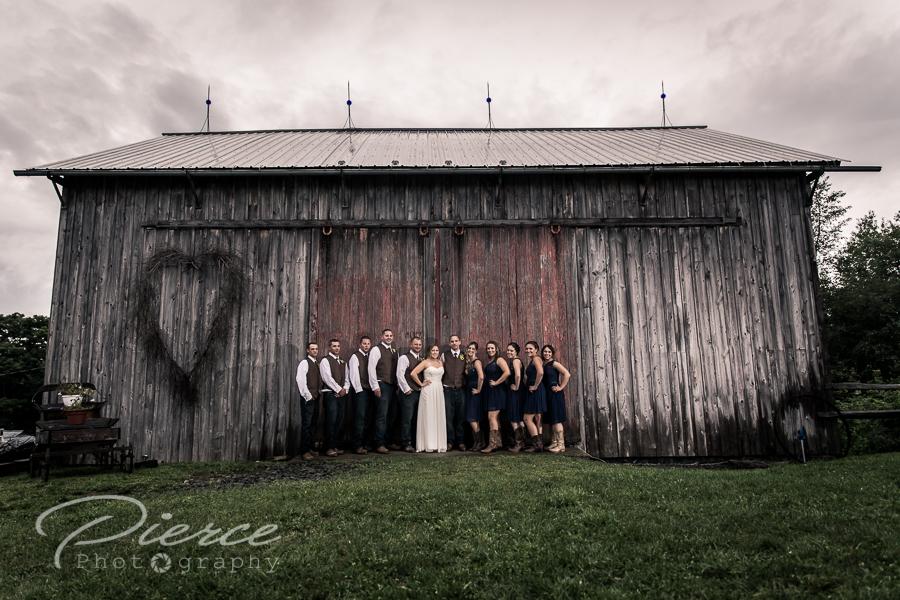 fiddle lake farm wedding photo