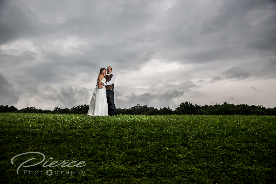fiddle-lake-farm-wedding